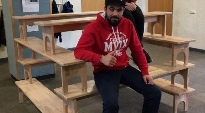 Dicke Bretter gebohrt – Schüler bauen Sitzbänke für die Schule