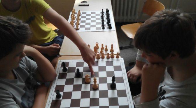 Start der ersten Schach AG an der Freiher-vom-Stein-Schule